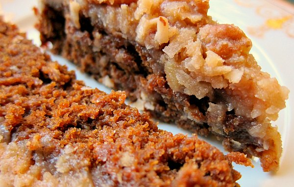 Linda′s Amazingly Moist Oatmeal Molasses Cake