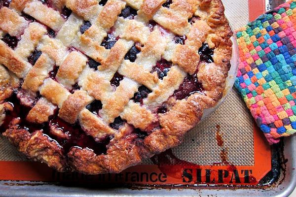 blackberry pie with lattice top