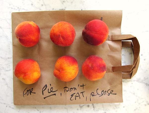 fresh peaches ripening
