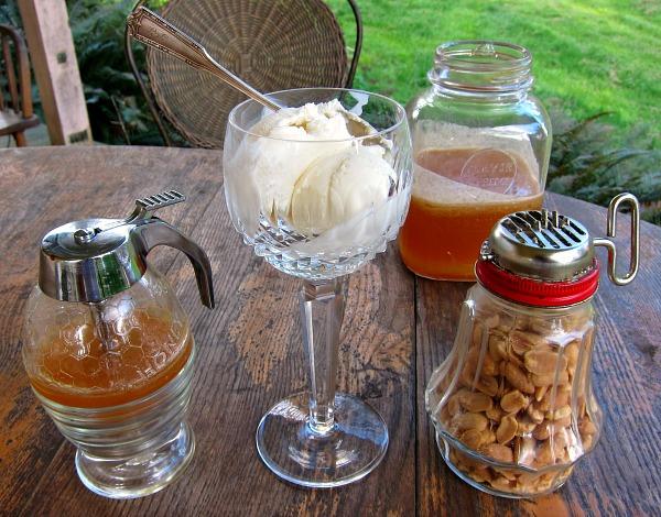 salted peanut honey sundae