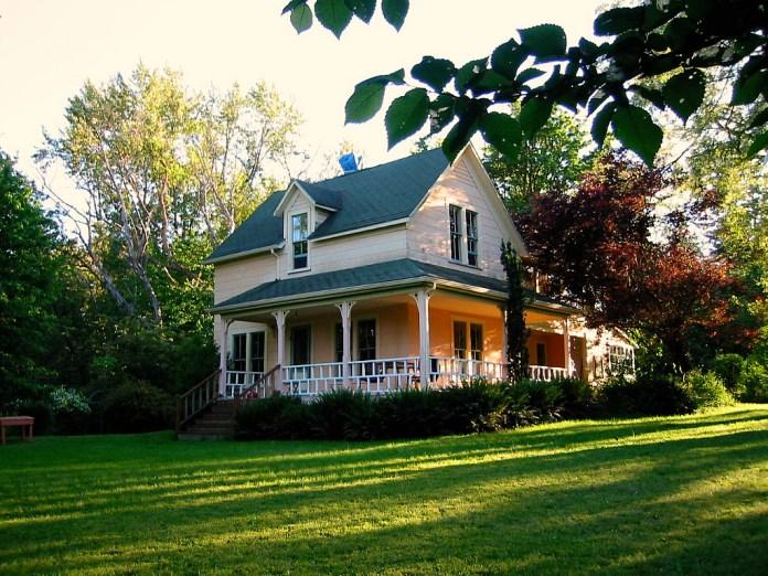 Vashon farmhouse the peach palace