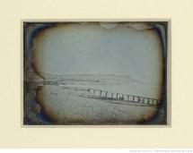 [Paysage de bord de mer : falaises et plage] : [photographie] / Hippolyte Fizeau --1841
