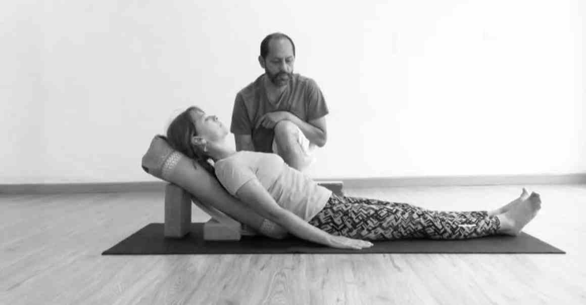 yoga salud restaurativo taller colombia