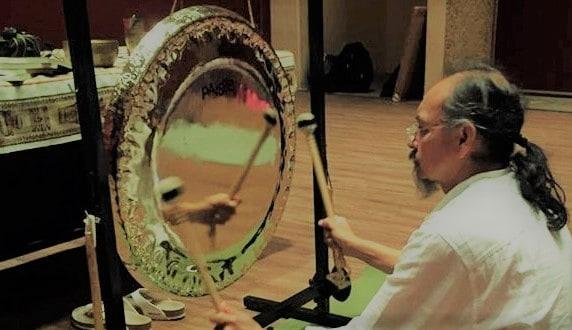"""SONOTERAPIA – Inmersión vibratoria o """"Baño de Gong"""""""