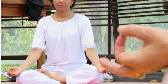 Yoga Experiencia Restaurativa Holística
