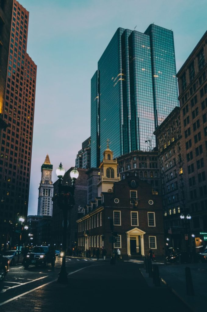 Fly from Abu Dhabi to Boston for just €414 return! [Apr 2021 − May 2021]