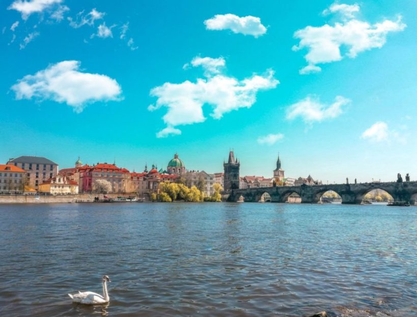Cheap flights from Bucharest to Prague for €30 return! [May – Oct]