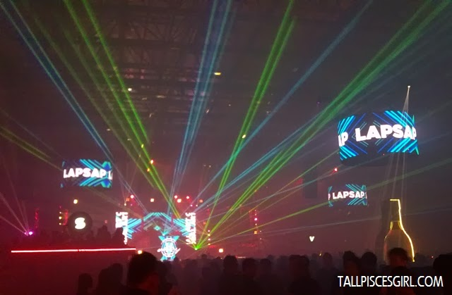 Electrifying laser show and striking LED visuals while Lapsap was spinning