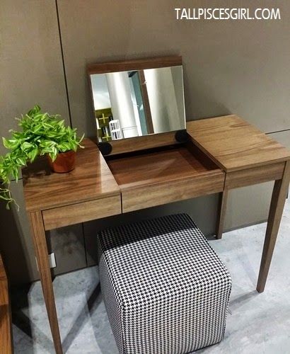 Lovely dressing table @ Stanzo Collection
