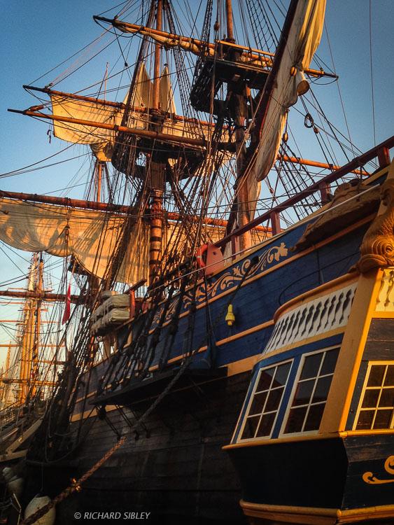Morning sun - The Swedish Ship Gotheborg