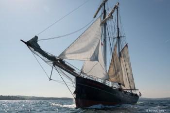 Dutch topsail schooner Wylde Swan preparing for the race
