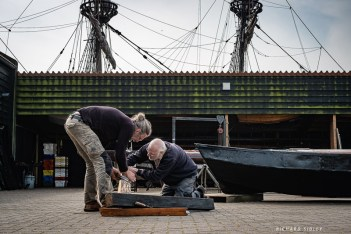 Altering the knee from the transom