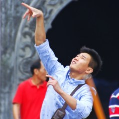 throwing coins, Jing'an Temple