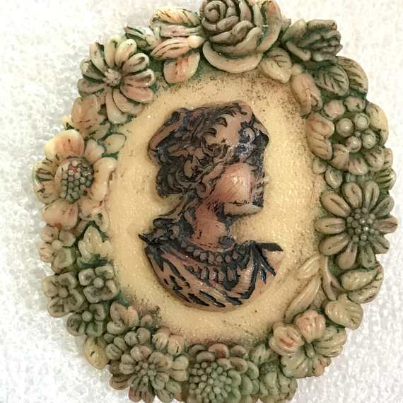 Vintage celluloid hand painted cameo pin brooch