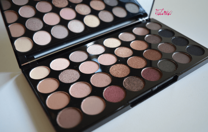 Make Up Revolution Flawless And Salvation Palettes