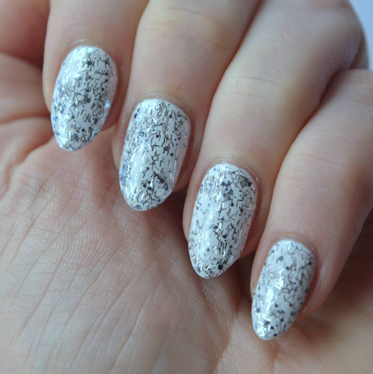 essie Luxeffects 2015 Collection Review - Frilling Me Softly - Talonted Lex