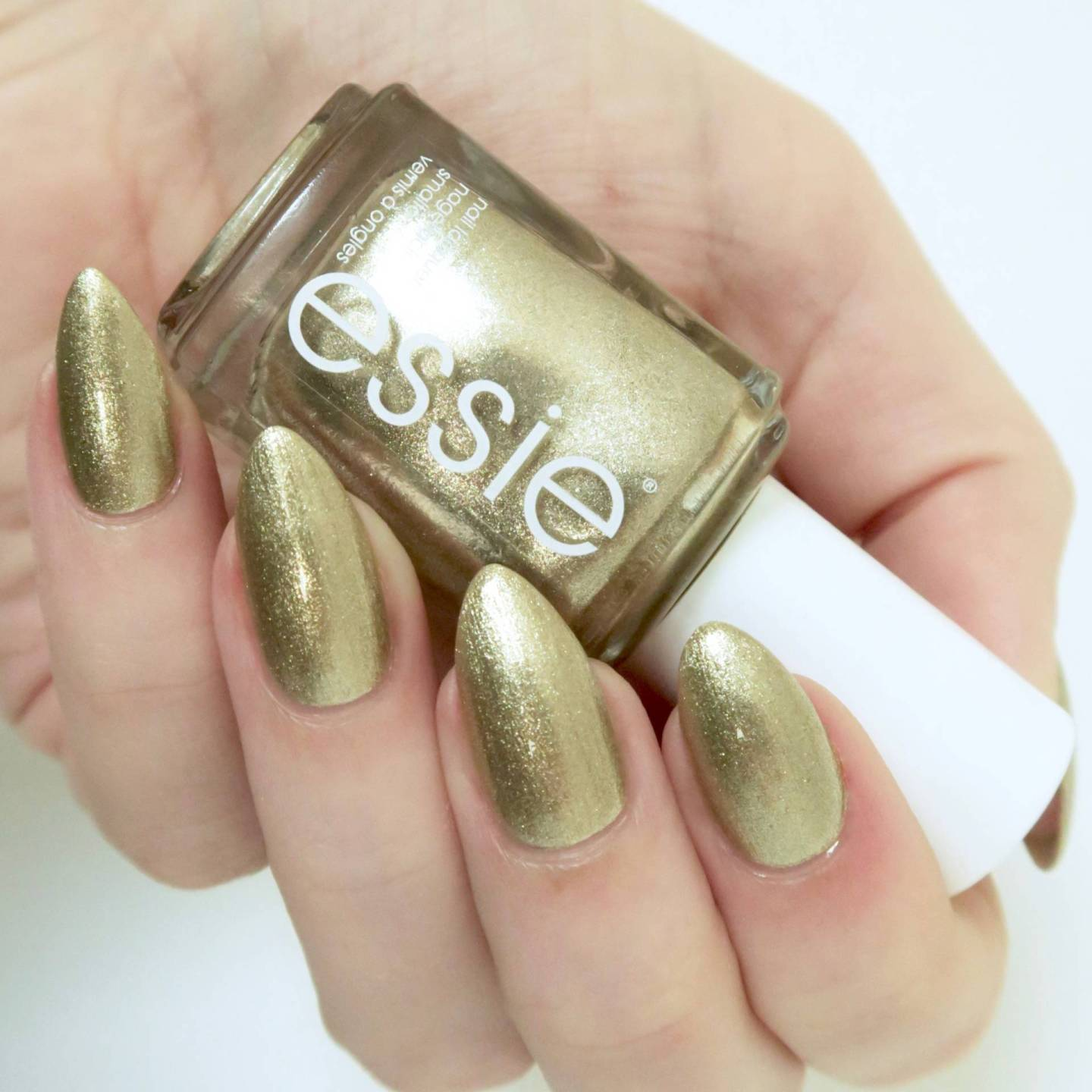 Essie Winter 2016 Collection Getting Groovy review