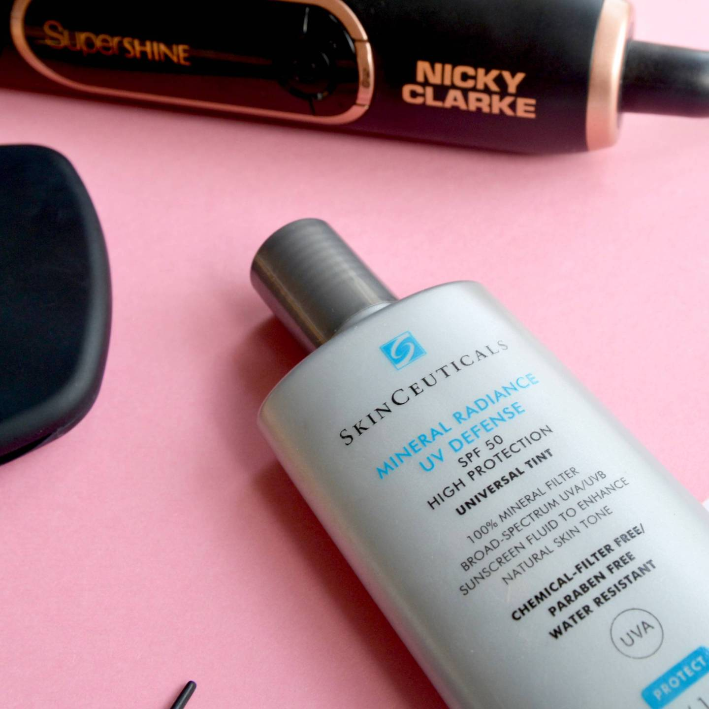 If you have sensitive skin or rosacea then this lightweight and tinted SPF from SkinCeuticals is the dream!