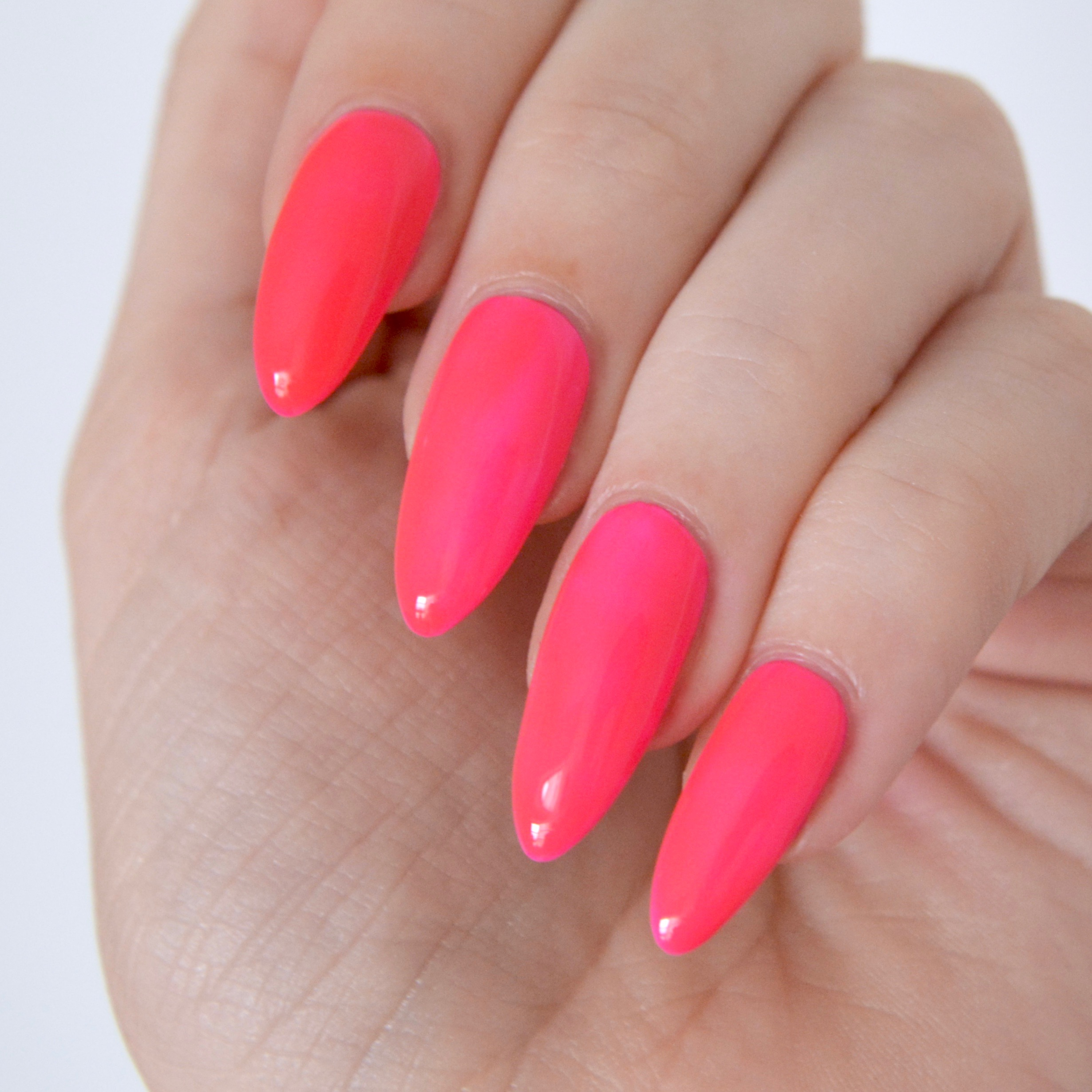 Essie-Neon-off-the-wall-1 - talonted lex