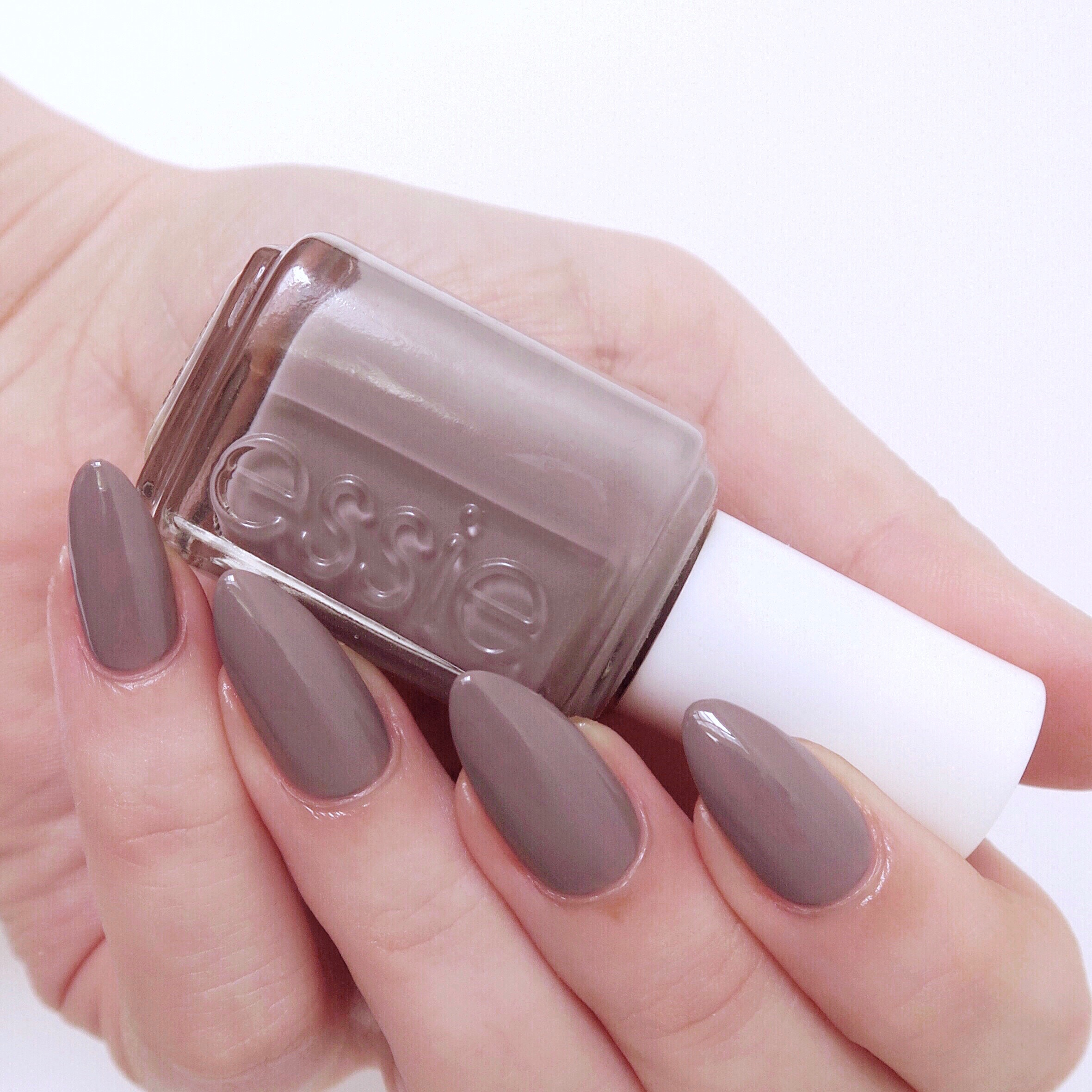 My favourite winter polishes - essie 'chinchilly', a soft grey-beige (greige!) that is so chic and flattering