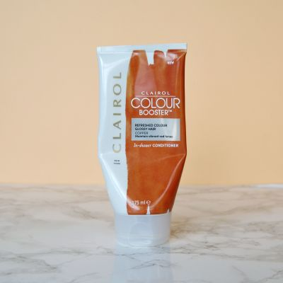 How I keep my copper hair vibrant: Clairol Colour Booster. A deep conditioner and colour top up in one! How to maintain red hair. #talontedlex