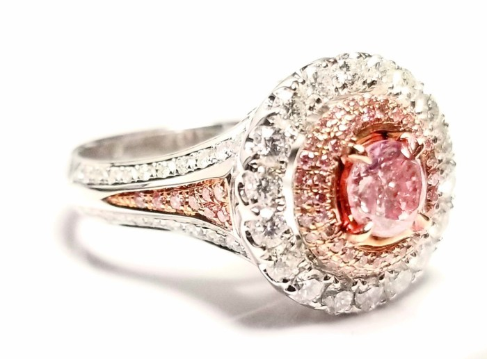 Engagement Ring 1.80ct Natural Fancy Intense Pink Color GIA Round 18K Solid Gold