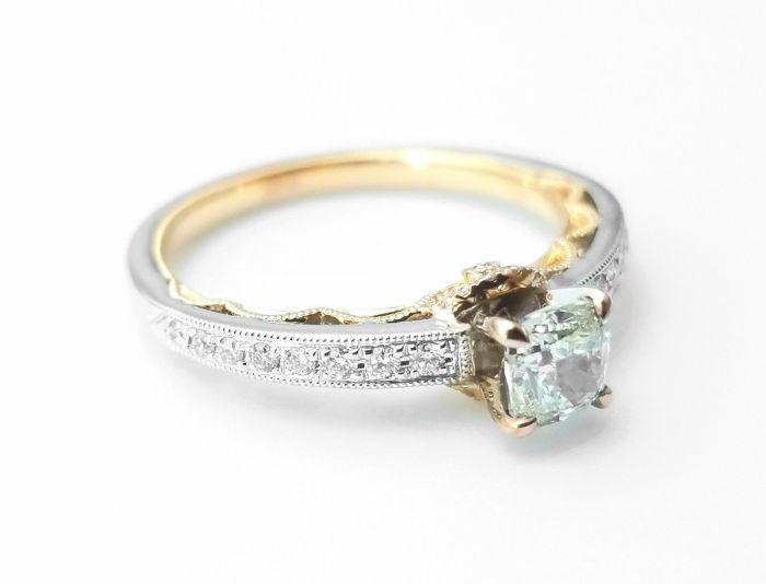 0.67ct Natural Fancy Light Green Diamond Engagement Ring GIA 18K Gold VS2