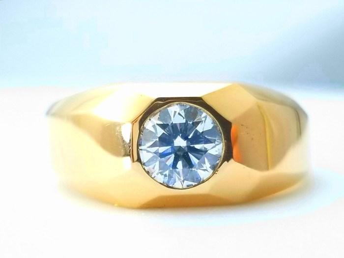 1.01ct Natural Fancy Light Green Diamond Ring GIA Mens Unisex Engagement 18K SI2
