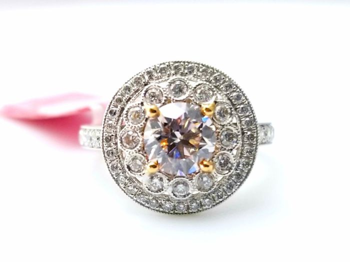 1.78ct Natural Fancy Faint Pink Diamonds Engagement Ring GIA 18K Gold Round SI1