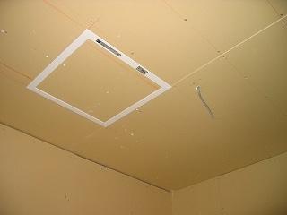 天井裏の点検窓