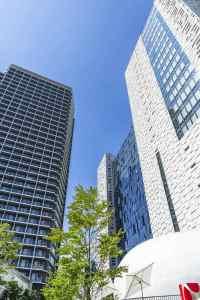 東新宿駅ビルのイーストサイドスクエアの画像です。