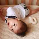 赤ちゃんの反り返りがひどい!0歳児の反り返りと病気の関係について