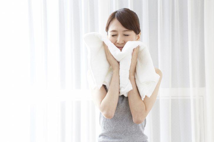 タオルで拭く