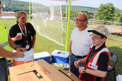 Day 3 of Search for Jesse Rex Farber, Sharp Mountain, Tamaqua, 8-15-2015 (54)
