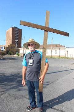 Man and a Cross, Tamaqua, 8-9-2015 (11)