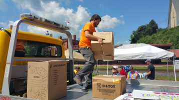 Setting Up For Salvation Army Kidz Karnival, Kids Carnival, Train Station Lot, Tamaqua, 8-4-2015 (6)