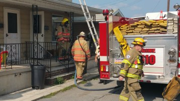 House Fire, Smoke, West Water Street, Lansford, 9-1-2015 (4)