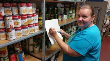 11-5-2015, Barnesville Boy Scout Troop 725 Sort Food Donations, Tamaqua Salvation Army, Tamaqua (2)