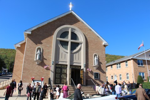 Little Flower Shower of Roses, Our Lady of Mount Carmel Church, Nesquehoning (3)