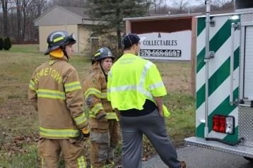Overturned Vehicle, SR309, Hometown, 11-28-2015 (34)