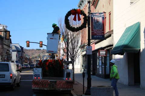 Putting Up 70 Or So Christmas Decorations, Street Department, Downtown Tamaqua, 11-25-2015 (3)
