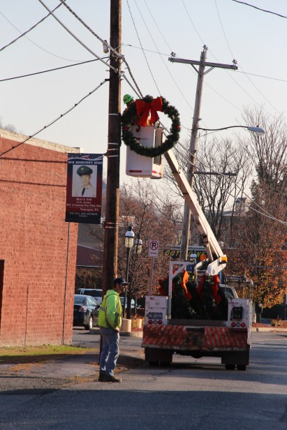 Putting Up 70 Or So Christmas Decorations, Street Department, Downtown Tamaqua, 11-25-2015 (30)