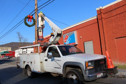 Putting Up 70 Or So Christmas Decorations, Street Department, Downtown Tamaqua, 11-25-2015 (41)