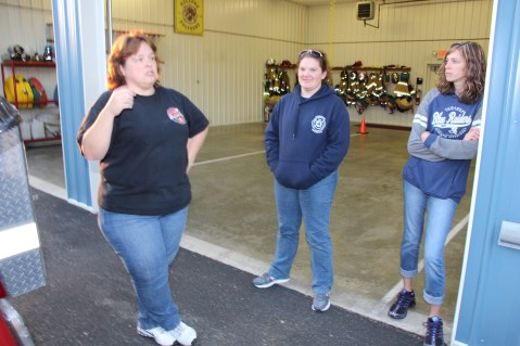 Tamaqua Salvation Army Youth Group Visits South Ward Fire Company, Tamaqua, 10-8-2015 (9)