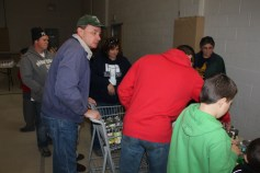 Tamaqua Troop, Pack, 777, Collecting, Sorting, Donations, Salvation Army, Tamaqua, 11-14-2015 (22)