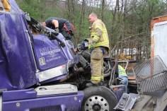 Tractor Trailer Overturns, US209, SR93, Nesquehoning, 11-5-2015 (16)