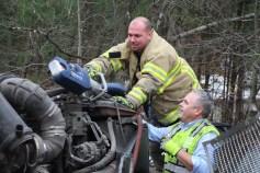 Tractor Trailer Overturns, US209, SR93, Nesquehoning, 11-5-2015 (17)