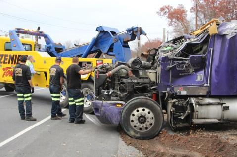 Tractor Trailer Overturns, US209, SR93, Nesquehoning, 11-5-2015 (61)