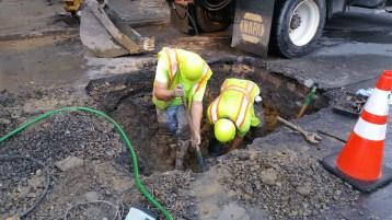 Water Department Repairing Service Line, 200 block of East Broad Street, Tamaqua, 11-6-2015 (2)
