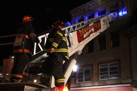 Apartment Building Fire, 45 West Broad Street, Tamaqua, 12-19-2015 (141)